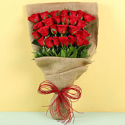 Idyllic 25 Red Roses Bouquet: Send Anniversary Flowers to Bahrain