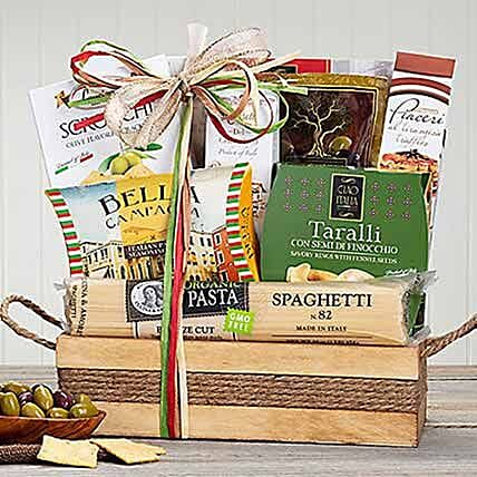 Taste of Italy: Christmas Gift Hampers to Canada