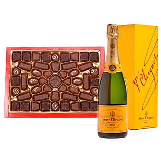 Champagne N Chocolates Hamper: Gift Baskets to Hong Kong