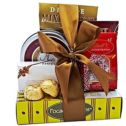 Snack Wishes Hamper: Gift Baskets to Hong Kong