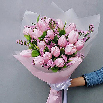 Ravishing Tulips Bouquet: New Year Gift Delivery in Indonesia