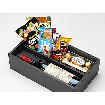 Food And Wine Hamper: Send Gifts to Japan
