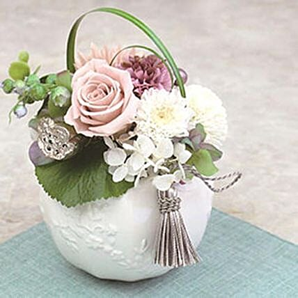 Floral Arrangement For Christmas And New Year: