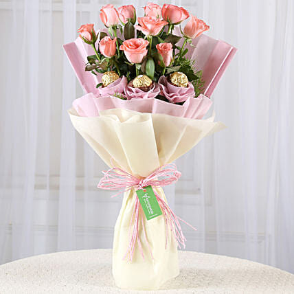 10 Pink Roses & Ferrero Rocher Bouquet: Chocolate Combos
