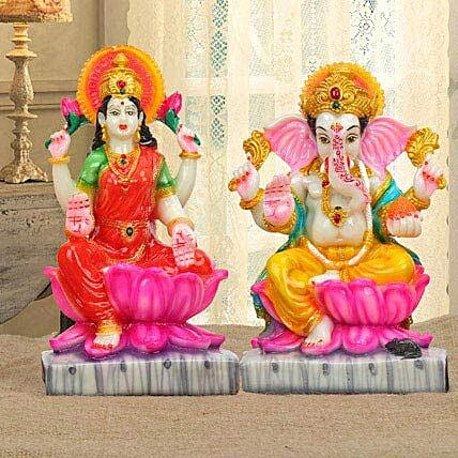 Auspicious Diwali Delight: Good Luck Gifts
