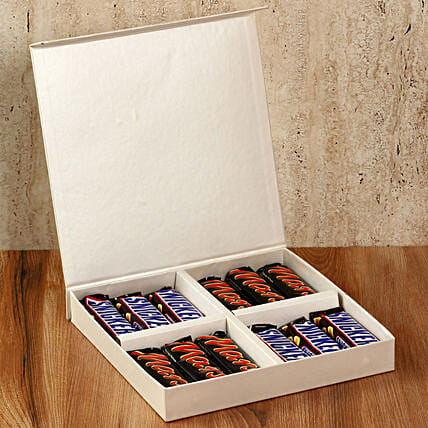 Chocolaty White Gift Box: Gifts for Hug Day