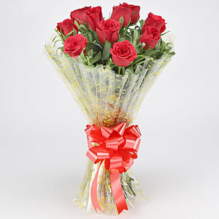 Classic Red Roses Bouquet: Gifts for Hug Day