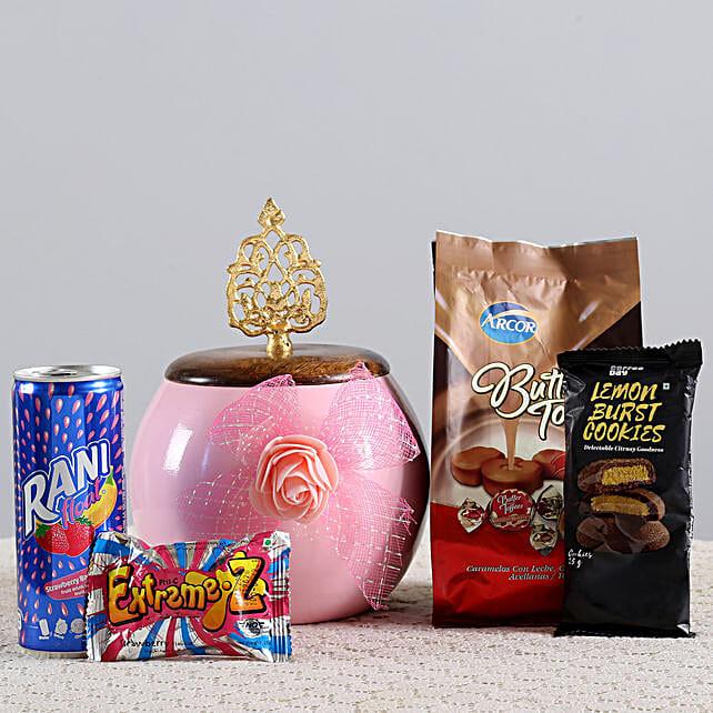 Cookies & Candies Hamper: Send Gift Hampers