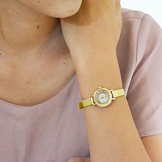 Gold Strap Watch: Accessories