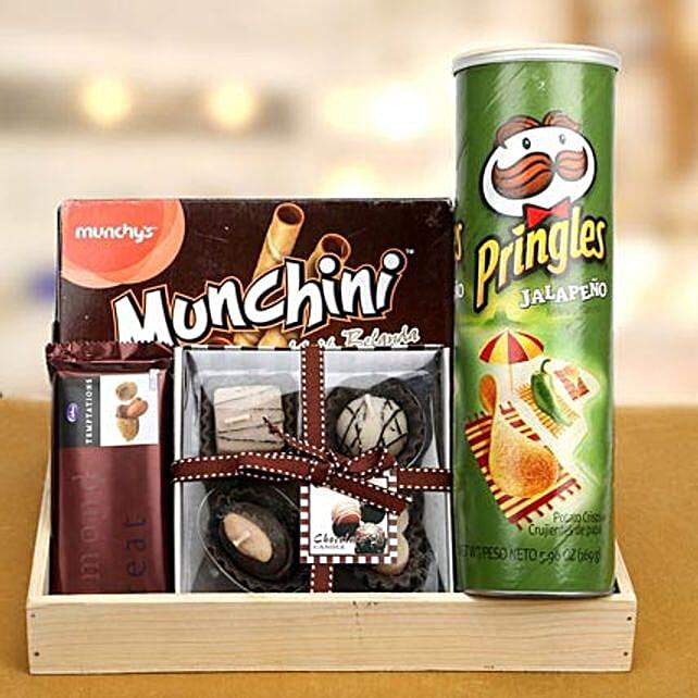 Keep Munching: Send Gift Hampers