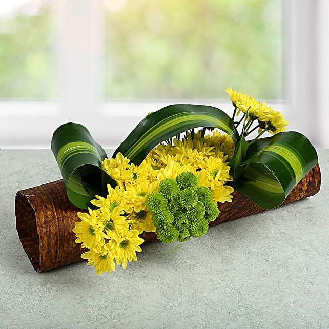 Lovely Yellow Daisy Arrangement:
