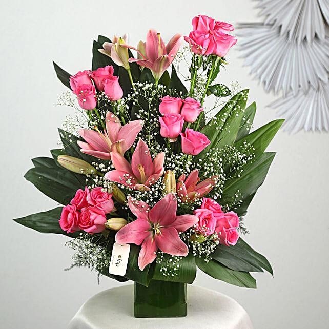 Pink Flowers Vase Arrangement: Valentines Day Lilies