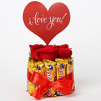 Red Roses in Glass Vase & 5 Star Love Arrangement: Hug Day Gifts