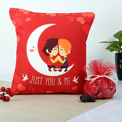 Red You And Me Cushion: Valentine Gift Combos