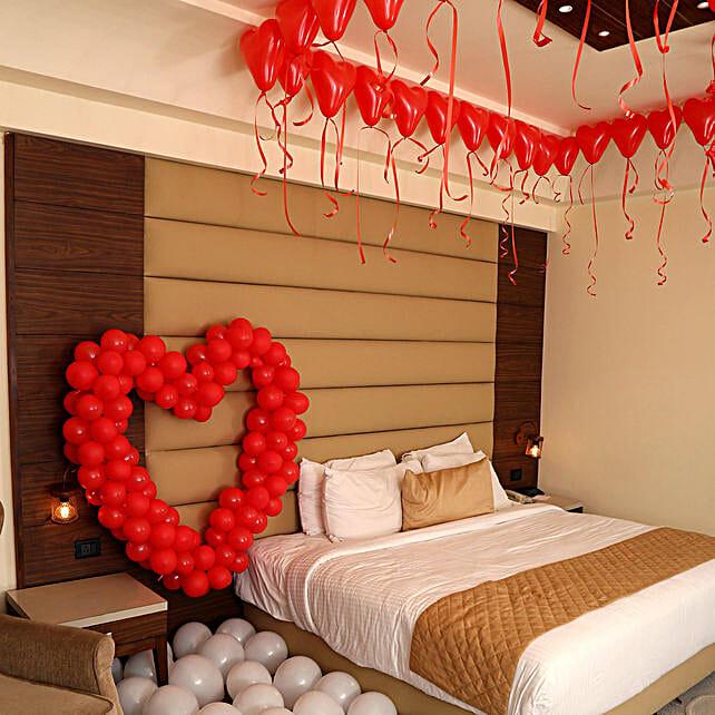 Romantic Balloon Decor: Balloons Decorations