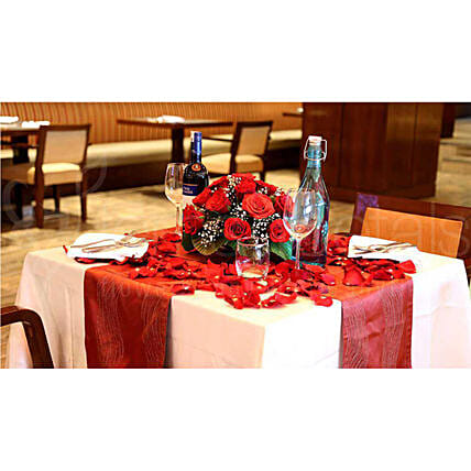 Couple Dining Experience: Romantic Gifts