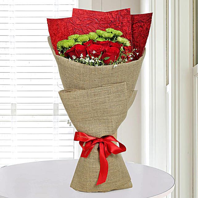 Roses Love Express Bunch: Send Chrysanthemums