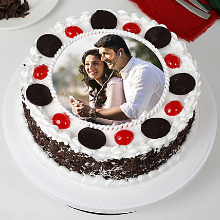 Round Black Forest Photo Cake: Send Black Forest Cakes