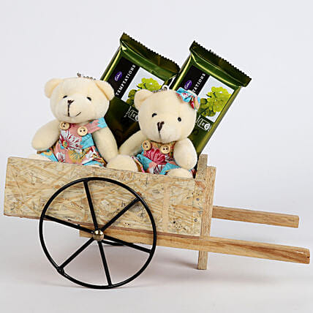 Teddy Bear & Chocolates in Bullock Cart: Chocolate Combos