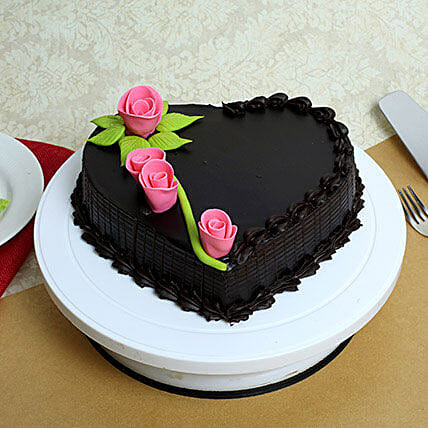 Delicious Heart Shaped Truffle Cake: Designer Cakes