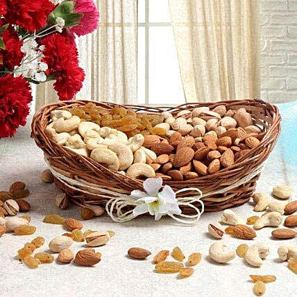 For Nut Lover: Send Karwa Chauth Sargi