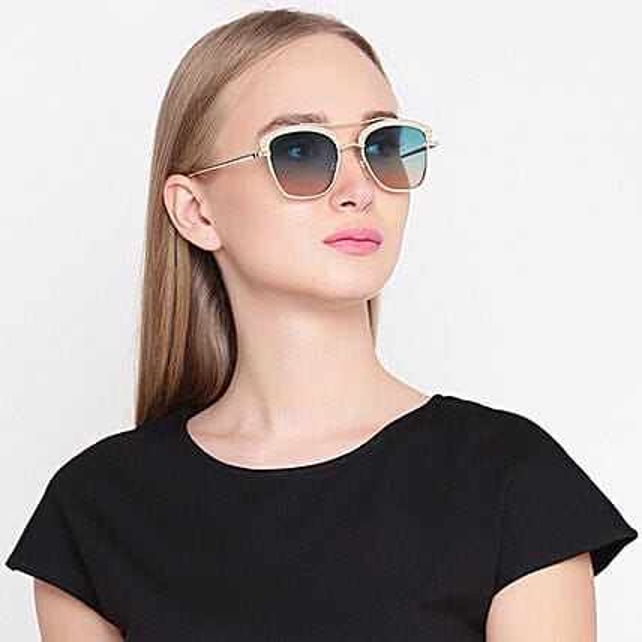 Gold N Green Wayfarer Women Sunglasses: Sunglasses