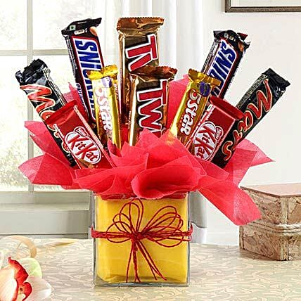 Delicious Chocolate Arrangement in Vase: Gift Delivery in Bagpat