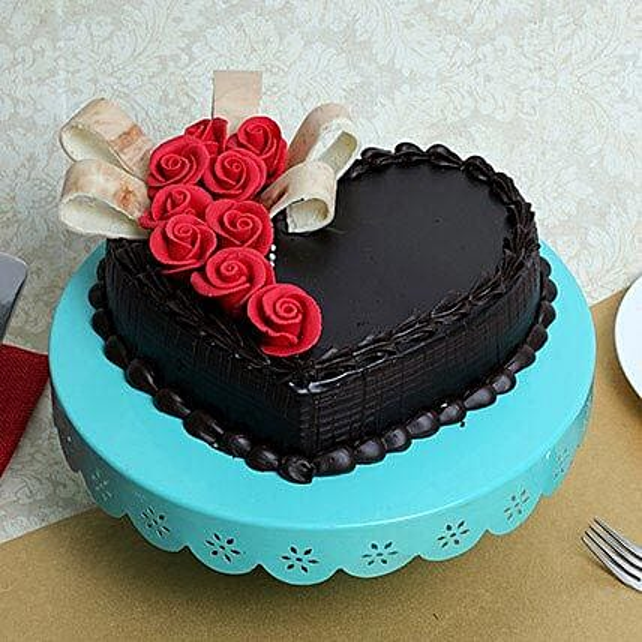 Semi Fondant Heart Cake: Send Designer Cakes