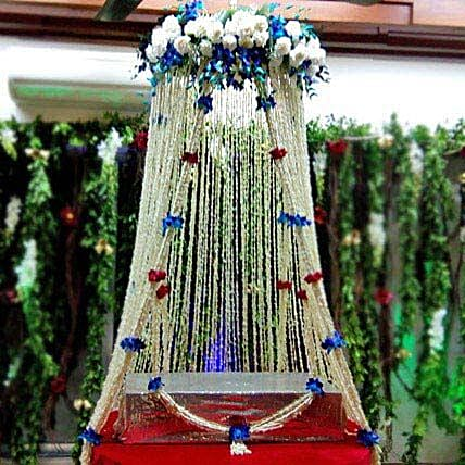 White Sparkling Flower Tower Decoration: