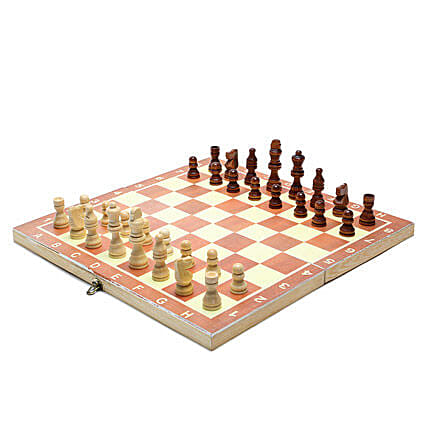 Wooden Chess Board: Kids Toys & Games