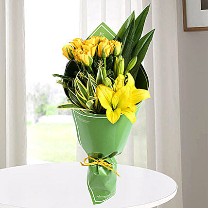 Yellow Roses & Asiatic Lilies Bouquet: Yellow Roses