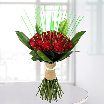 Magnificent Red Roses Bunch: Premium Gifts