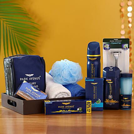 Pamper Him With Love: Send Gift Hampers
