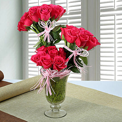 Stunning Rose Arrangement: Unique Gifts