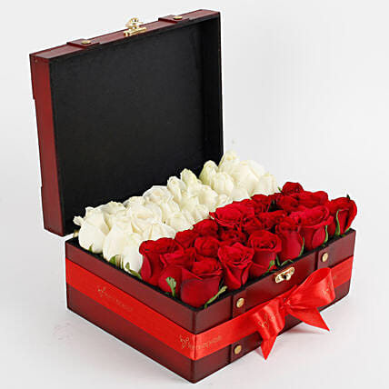 Heavenly Rose Arrangement: Wedding Gifts