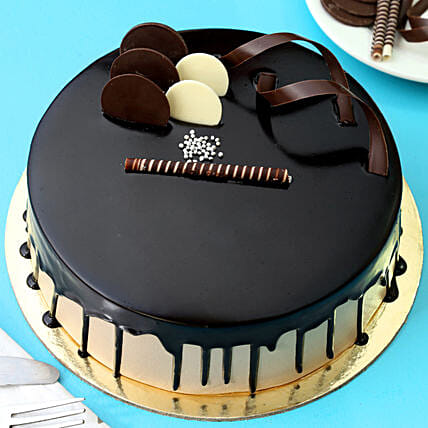Chocolate Cream Cake: New Year Special Cakes