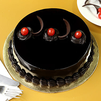 Chocolate Truffle Delicious Cake: Send Valentines Day Gifts to Solapur