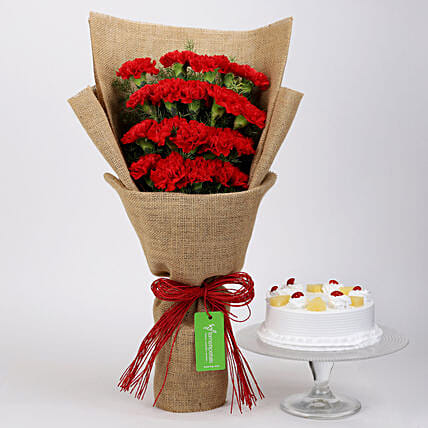 20 Red Carnations & Pineapple Cake: Christmas Combos
