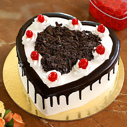Flakey Hearts Black Forest Cake: Heart Shaped Cakes Kanpur