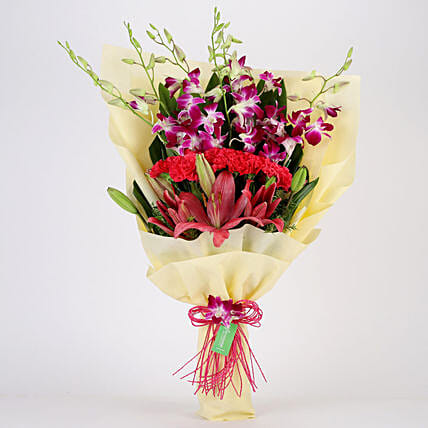 Posy Of Pink & Purple Flowers: Mixed flowers