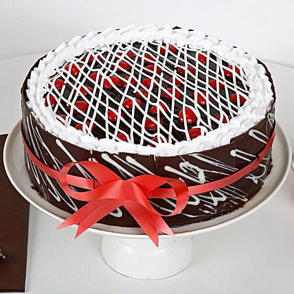Chocolate Cherry Cake: Designer Cakes