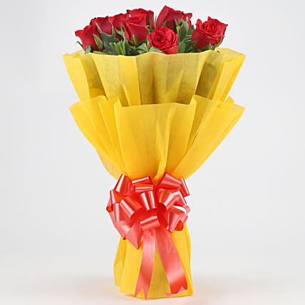 Bright Red Roses Bouquet: Red Flowers