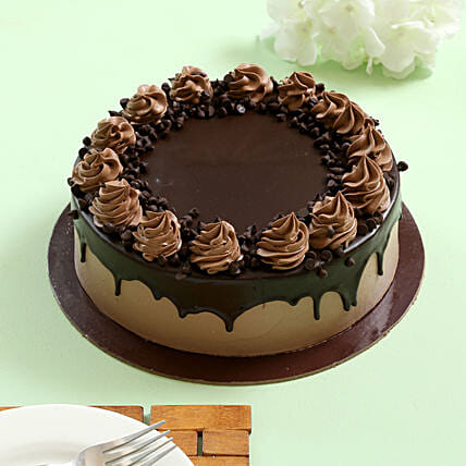 Cream Drop Chocolate Cake: Birthday Cakes