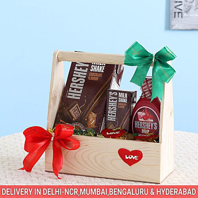 Delightful Hershey's Wooden Basket: Send Doctors Day Gift Baskets