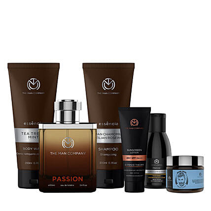 The Man Company Explorer Travel Pack: Cosmetics & Spa Hampers