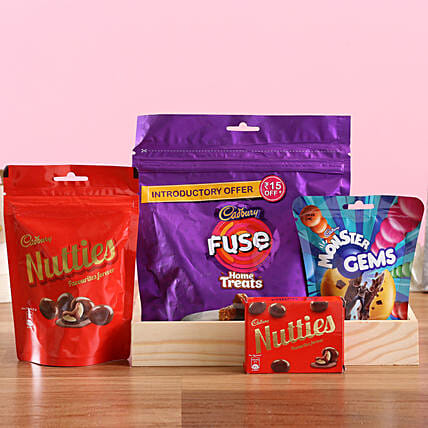 Cadbury Sweetness Tray: Gift Hampers