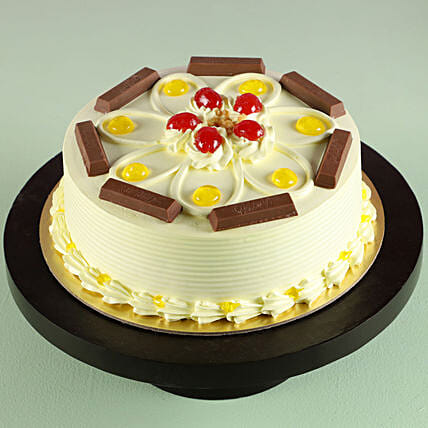 KitKat Butterscotch Cake: Cakes Delivery India