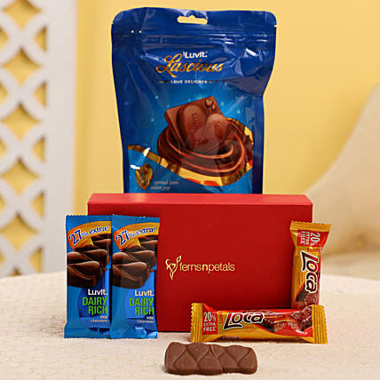 Yummy Chocolates In FNP Box: Send Gift Hampers