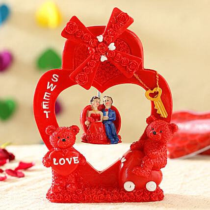 Musical Teddy Love: Heart Shaped Gifts