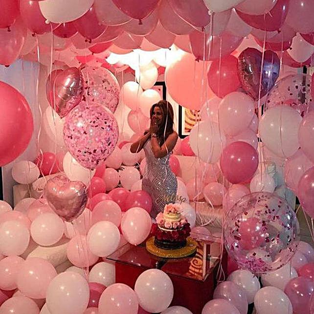 Grandiose Valentine's Surprise: Valentine's Day Room Decor